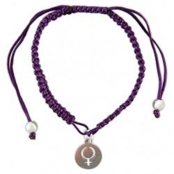 Pulsera lila de macramé con símbolo redondo feminista