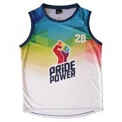Camiseta baloncesto LGTBI por delante