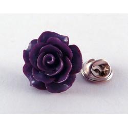 Pin de una rosa lila