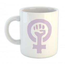 Copa branca con símbolo feminista