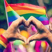 Hoy, 28 de junio, es el Día Internacional del Orgullo LGBT. Durante estos días podemos encontrar desfiles, espectáculos, fiestas e incluso talleres con motivo del #PRIDE. Pero más allá de la 'celebración' es un día para reivindicar la diversidad sexual. Porque al contrario de lo que muchos piensan, NO está todo conseguido (ni mucho menos). Aun queda mucho por hacer.  Esta lucha no solo corresponde al 28 de junio, esta lucha la vivimos todos los días.  Viva el #orgullo, viva la diversidad!  #gaypride #gaypride2019 #pride #lgbti #lgbtpride #banderagay #lovewins  #orgullogay #pride2019 #loveislove #reivindika #lgbtiespaña  #camisetaslgbt #orgullolgbti #loveislove #lovewins #amasincomplejos  #amorsincomplejos
